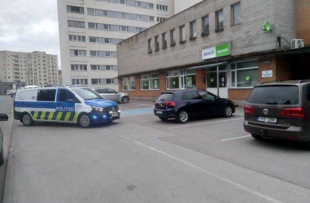 Seni tuvastamata mees proovis Madala tänava apteegist noaähvardusel ravimeid varastada.