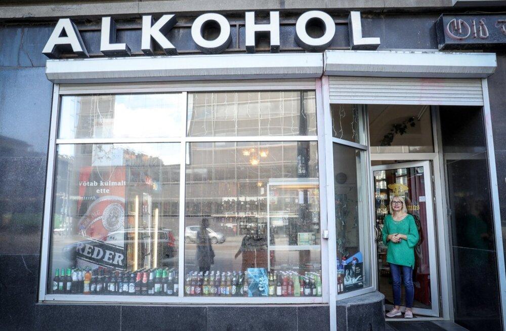 Narva maantee alkoholipoe müüja Natalia Orjol tellis katted hoopis juuliks, kuid trahvi ta ei tohiks arusaamatuse pärast saada.