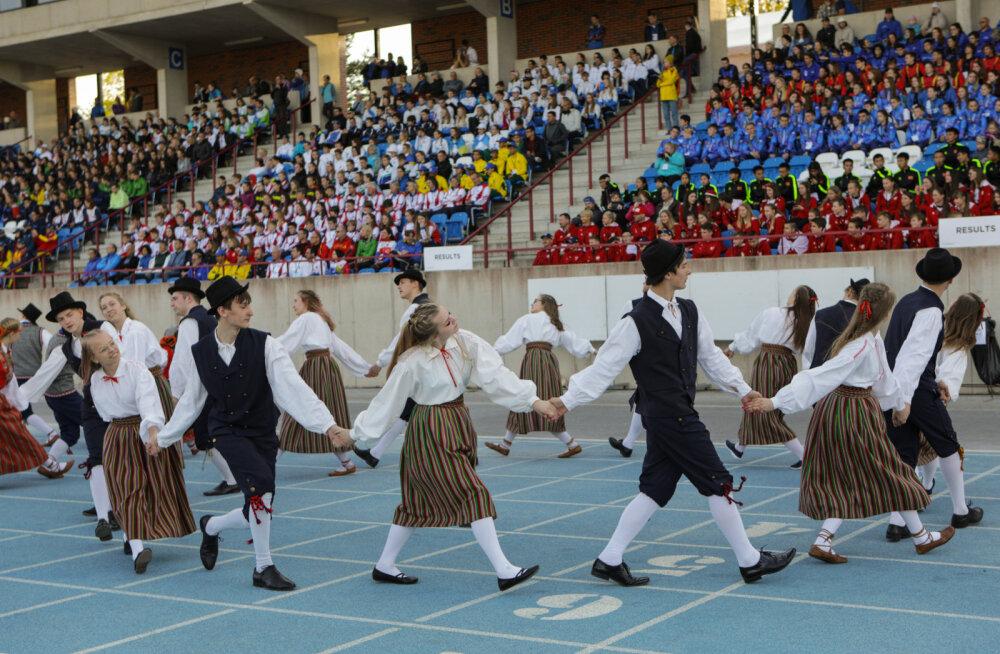 Koolinoorte orienteerumise MM avati piduliku tseremooniaga Tehvandi staadionil