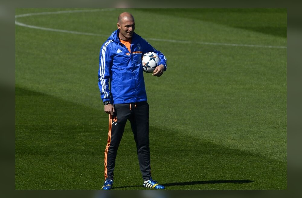 Zinedine Zidane Bordeaux' peatreeneriks?