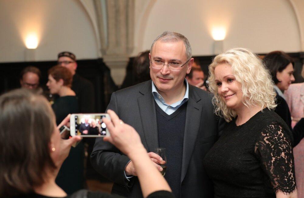 DELFI FOTOD: Vaata, kes saabusid Venemaa ärimehe Hodorkovski fondi vaba ajakirjanduse preemiate üleandmisele
