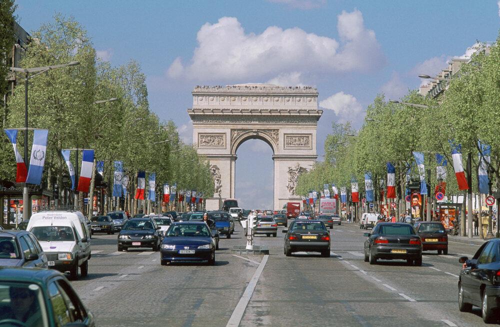 Улица не для людей: мэрия Парижа взялась превратить Елисейские поля в сад