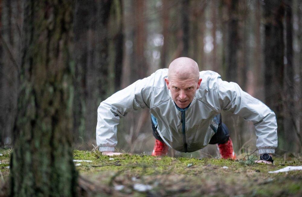 Kaitseväe juhataja Martin Herem on sportlik mees, kuid tippsporti oma alluvuses näha ei taha.