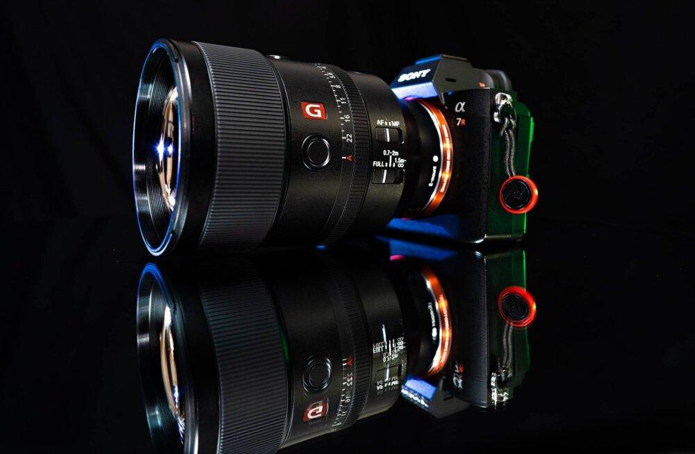 Kaamerate tootmine on üks Sony tugevaimatest valdkondadest, mida toetab ka fakt, et Sony toodab ise oma kaamerate sensorid ning on kujunenud selles osas maailma suurimaks.