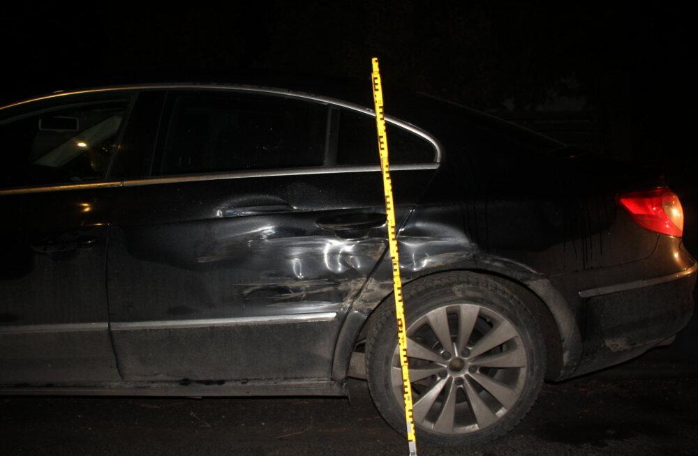 FOTO | Politsei otsib Tartus teist autot ramminud ja sündmuskohalt põgenenud maasturijuhti