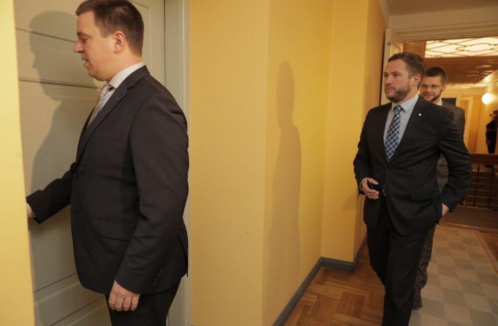 DELFI VIDEO JA FOTOD: Vabaerakond jäi taas valitsuse ukse taha: kriitikavabu päevi ei tule ning Ratast peaministrina ei toetata