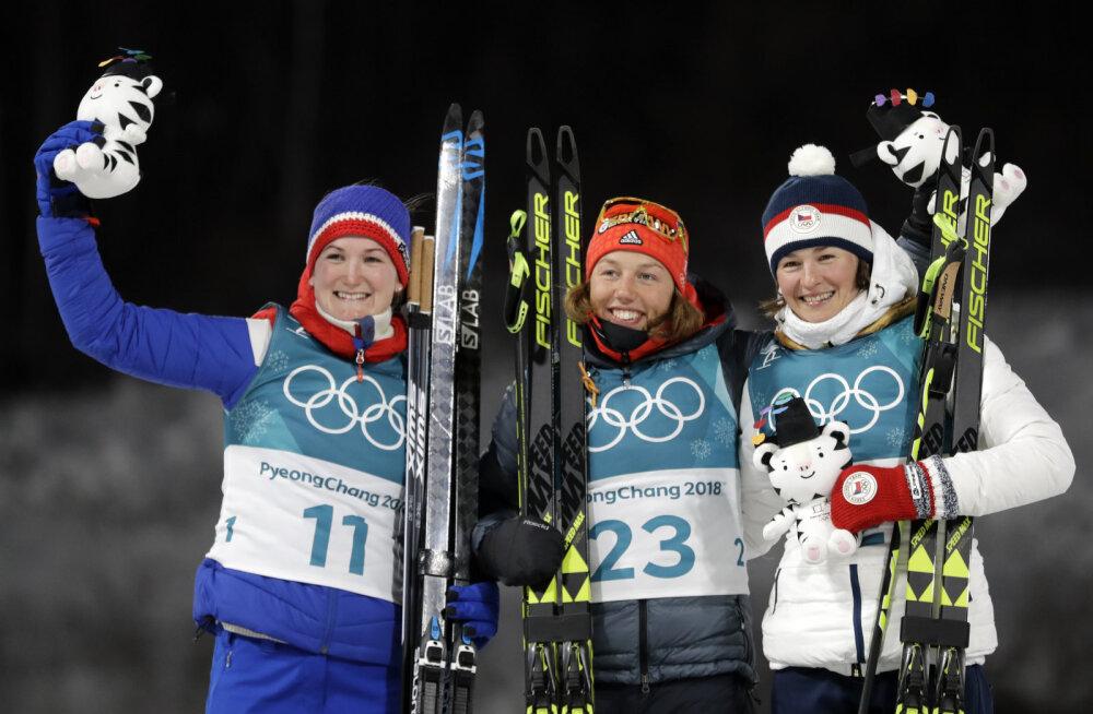 Esikolmik, keskel Laura Dahlmeier