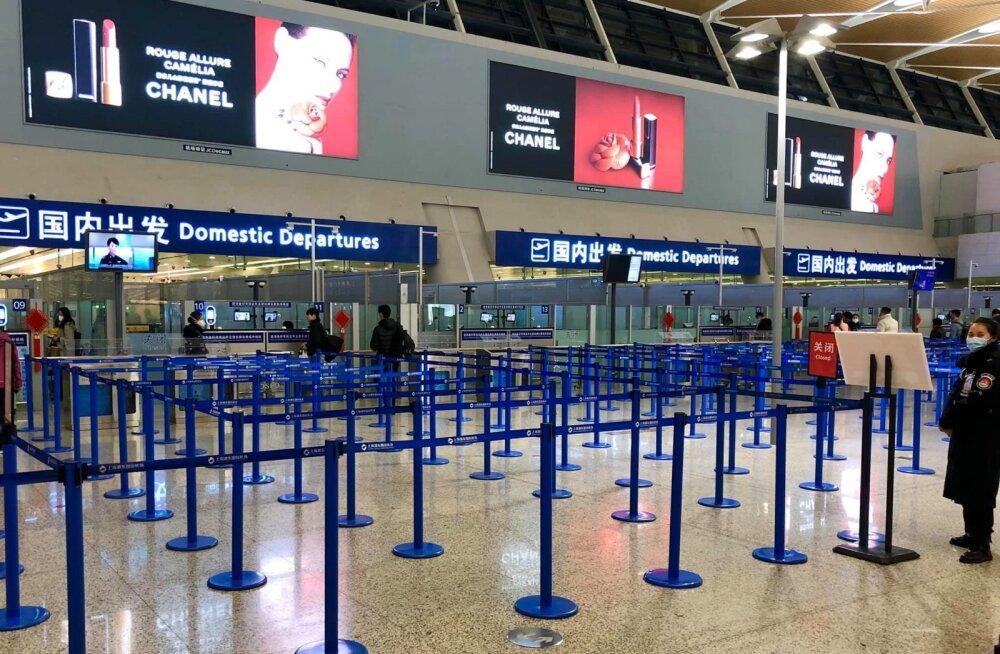 Lennujaama siselendude ala on suletud. Kohalikke enam riigist välja ei lubata.