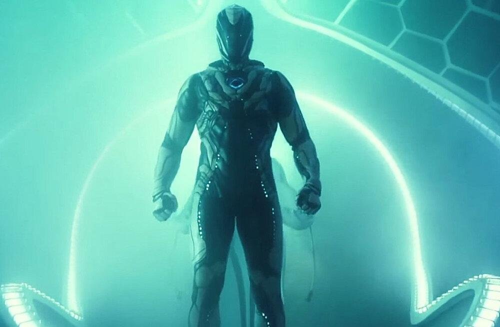 """TREILER: Mänguasjadel põhinev film """"Max Steel"""" jõuab suurele ekraanile"""