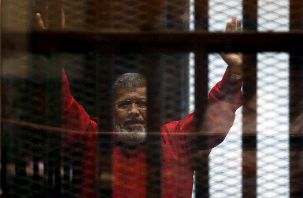 Экс-президента Египта Мухаммед Мурси скончался прямо на судебном заседании
