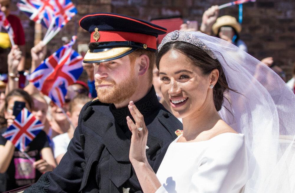 FOTOD   Vaata, mida põnevat ja veidrat kingiti Prints Harry ja Sussexi hertsoginna Meghanile pulmadeks
