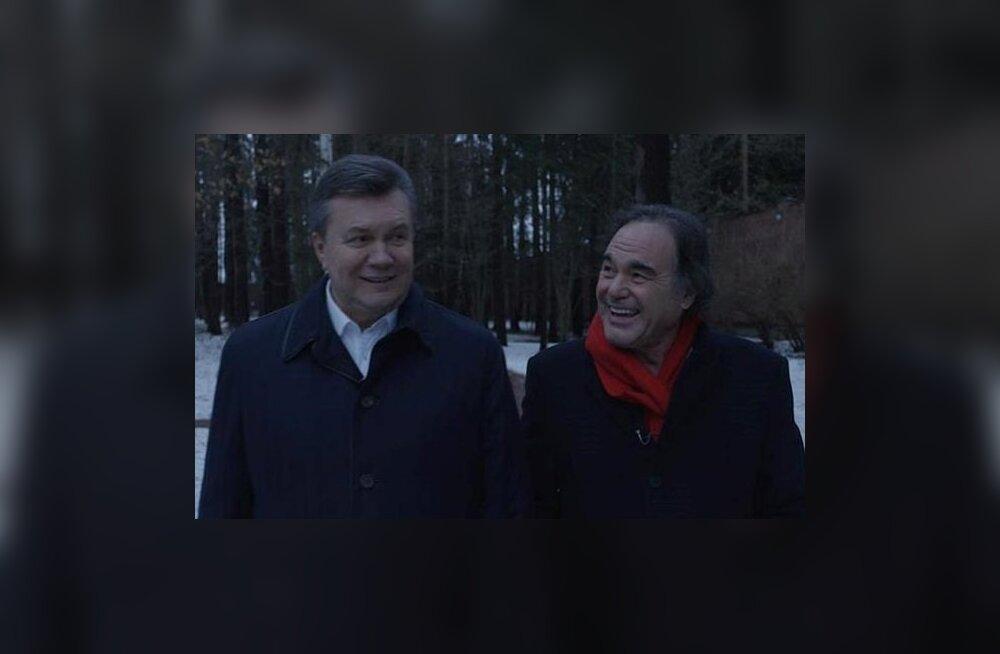 Бывший советник главы МВД Украины осудил Стоуна за интервью с Януковичем, режиссер ответил