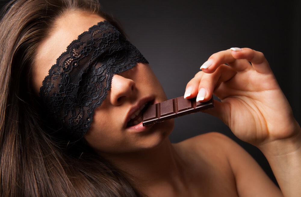 10 toitu, mida oma voodiellu kaasata, et seks oleks eriti mahlane