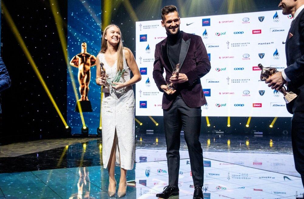 Lõppenud aasta parimad sportlased Kelly Sildaru ja Magnus Kirt olid peol mõistagi heas tujus.
