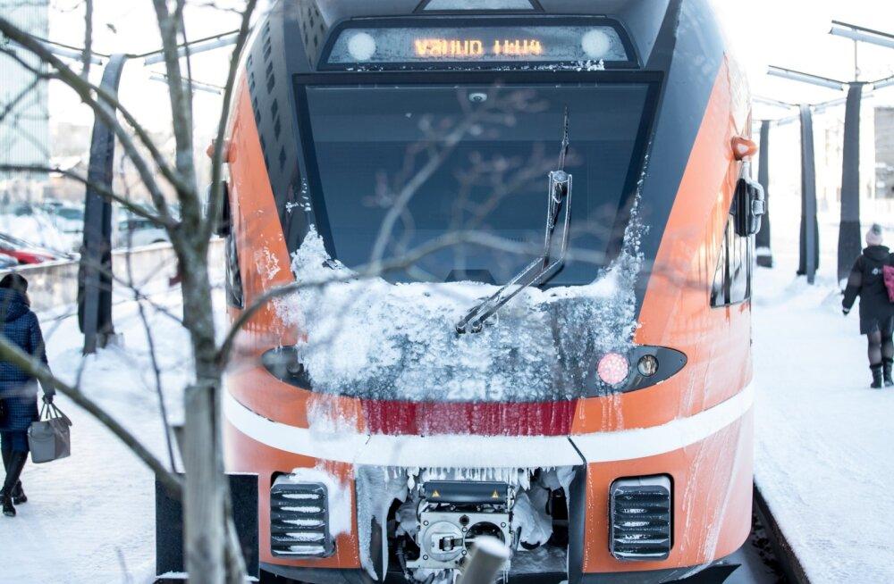 Elroni rong Balti jaamas.