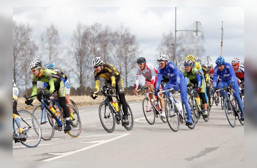 FOTOD/VIDEO: Karksi-Nuia rattaralli võitsid Krists Neilands ja Grete Treier