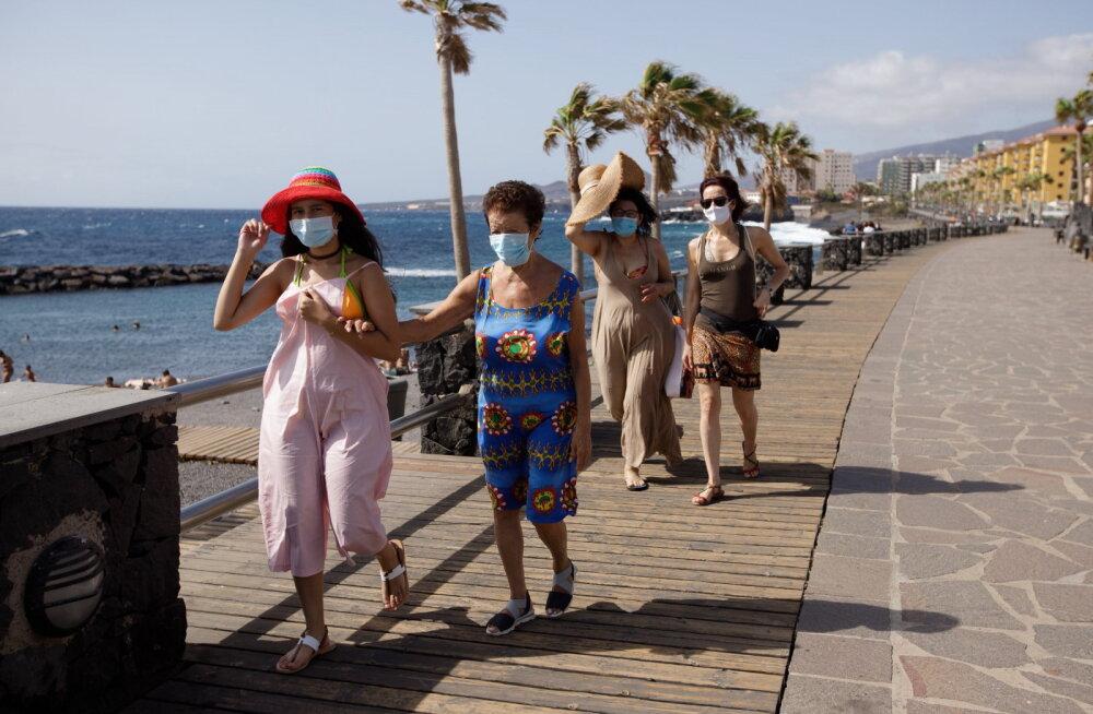 На Канарских островах ввели обязательное ношение масок на улицах и запретили курить