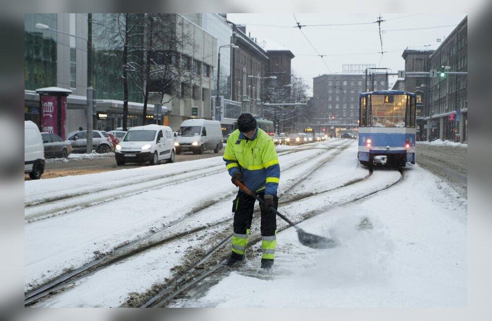 DELFI FOTOD: Lumine hommik pakkus väljakutseid rookijatele ja jalakäijatele.