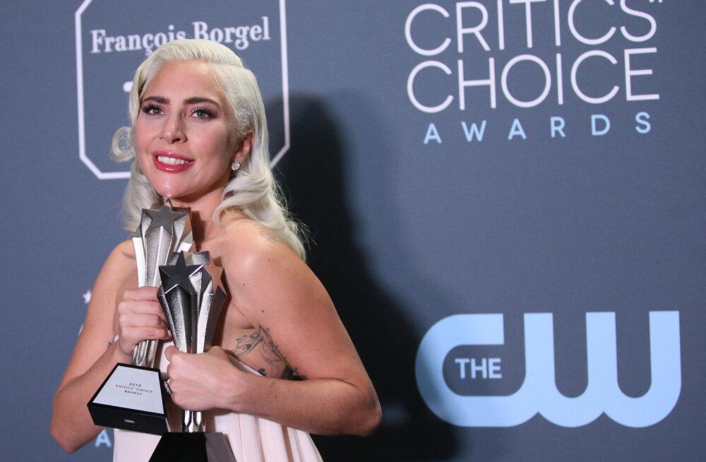 Lady Gaga Critics' Choice Award võidurõõmu varjutas kurb uudis laulja hobuse kohta