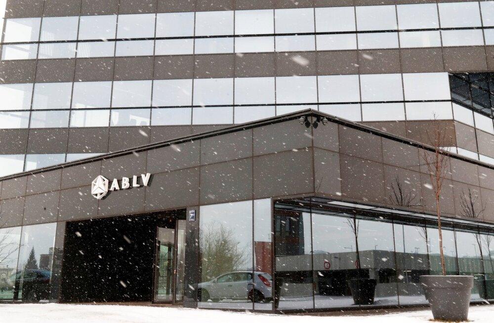 Osa ABLV kliente pidas USA-st tulnud uudist ohu märgiks ja hakkas pangast raha välja võtma.