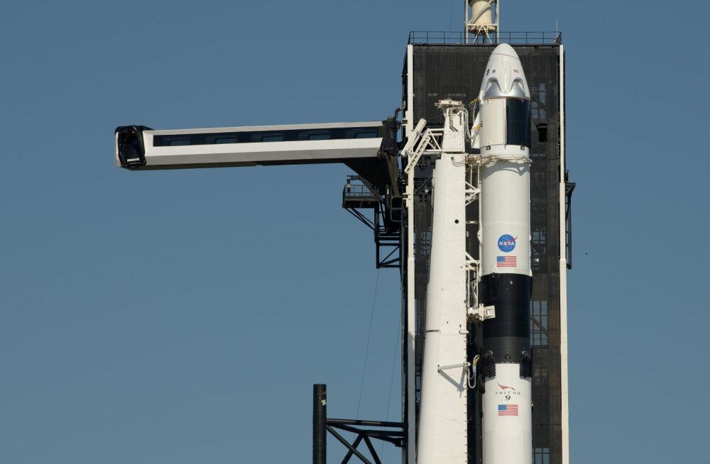 """Otse: ajalooline """"Launch America"""" lükkus laupäeva peale"""