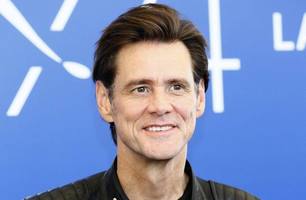 Traagilised aastad üle elanud Jim Carrey elab isolatsioonis, kuid üritab siiski veel armastust leida
