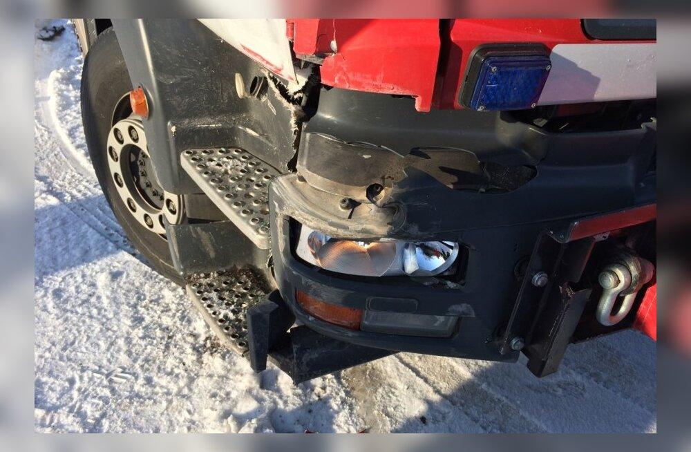 päästeauto sattus õnnetusse