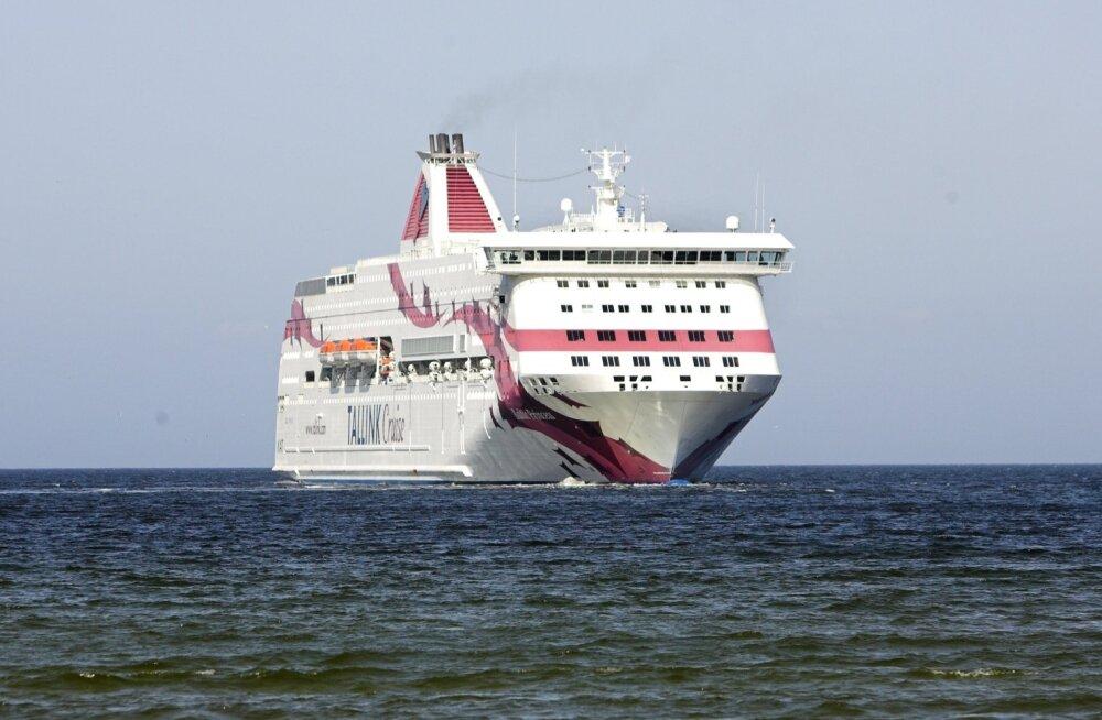 Tallink katsetab Soome-Rootsi liinil alkoholimüügi piiramist