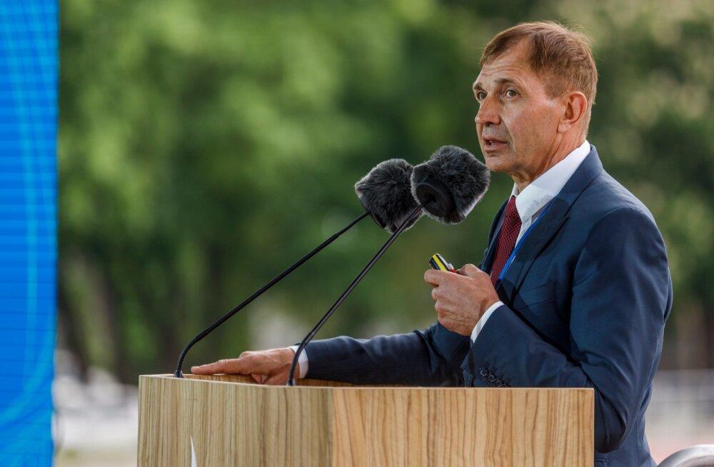 Urmas Sõõrumaa ei jäta jonni ja tahab Eesti liikuma panna.