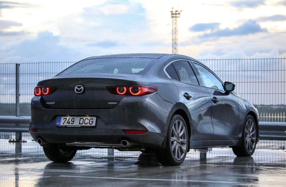 Maailma naiste aasta auto 2019 on Mazda 3, unistuste auto tiitli sai Porsche Taycan