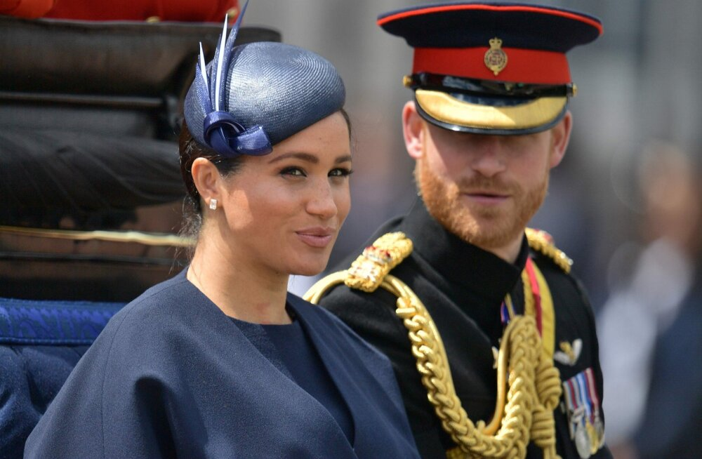 Meghan Markle'ilt ja prints Harry'lt eemaldati kõrgeausustele omased tiitlid, paar peab ka kodu remondiks kulunud raha tagastama