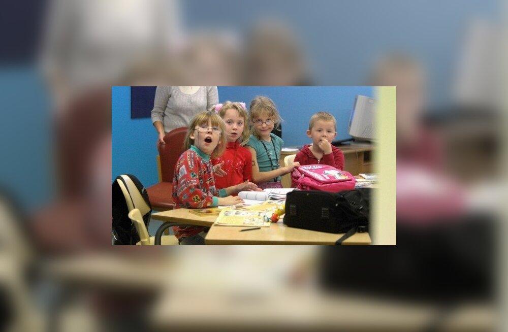 В России растет протест против запрета на усыновления
