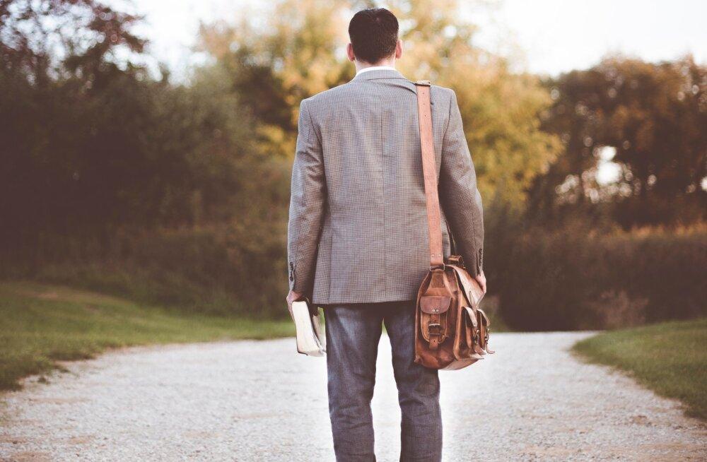 Isa lahutuse järel hääbunud suhetest lastega: mu lapsi valdab ükskõiksus minu suhtes ja mind valdab ükskõiksus nende suhtes
