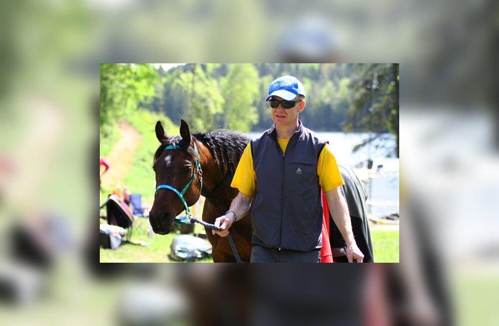 Eesti ratsanik sattus Poola võistlustel laupkokkupõrkesse hirvega