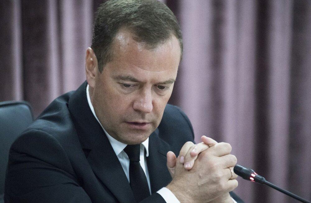 Medvedev: Euroopat raputava terrori tingib ekslik rändepoliitika