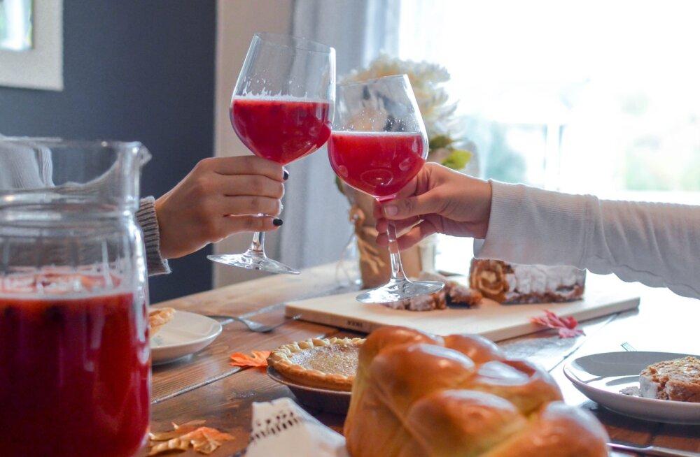 RETSEPT | Vajad ideed soodsaks alkoholivabaks jaanijoogiks? Siit saab!