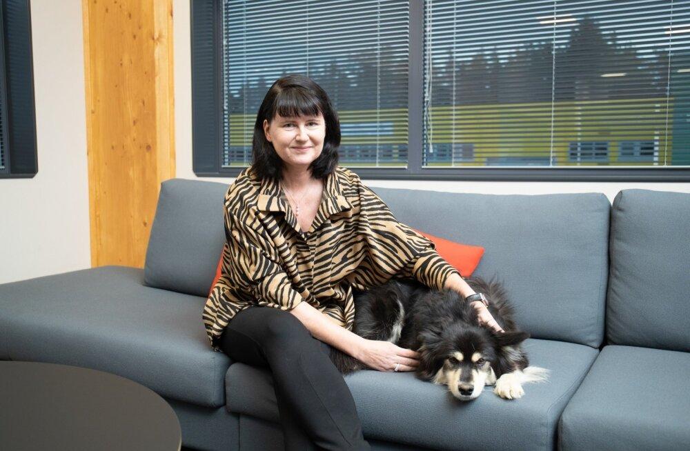 Kui Mia Miettinen on Tallinna kontoris, saadab teda tihti nende seitsmeaastane koer Tara.