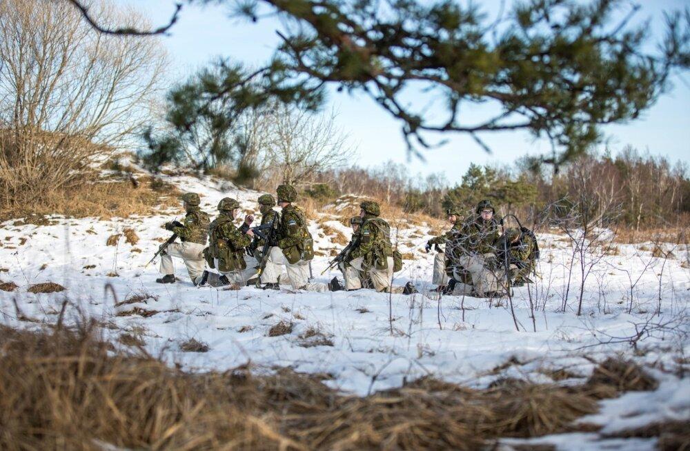 Kaitseväelased