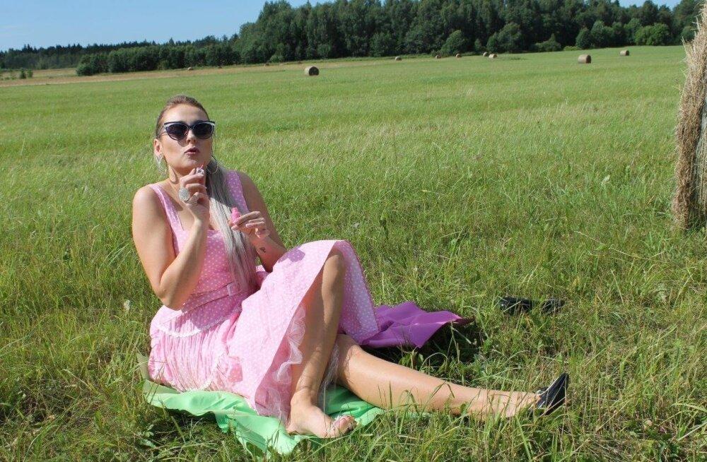 Blondid põllul 1. osa