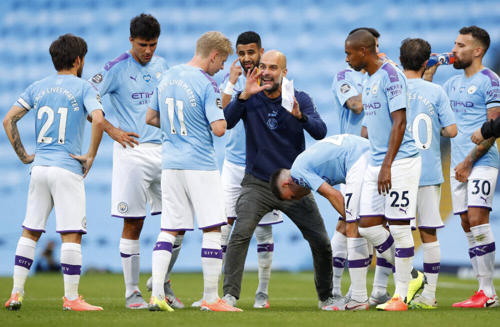 Manchester City korraldas hävitustöö, mängu eel lendas üle staadioni palju kõneainet tekitanud sõnumiga lennuk