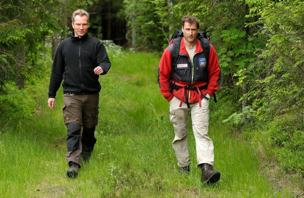Matkaja lülitab end muust maailmast välja ning sõltub vaid iseendast. See on oluline osa matkakogemusest, kinnitavad RMK loodusradade spetsialist Andre Kaur ning matkakorraldaja Alar Sikk.