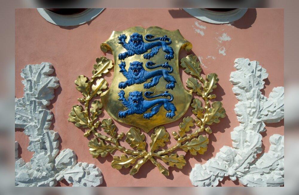Riigivapp Toompea lossil