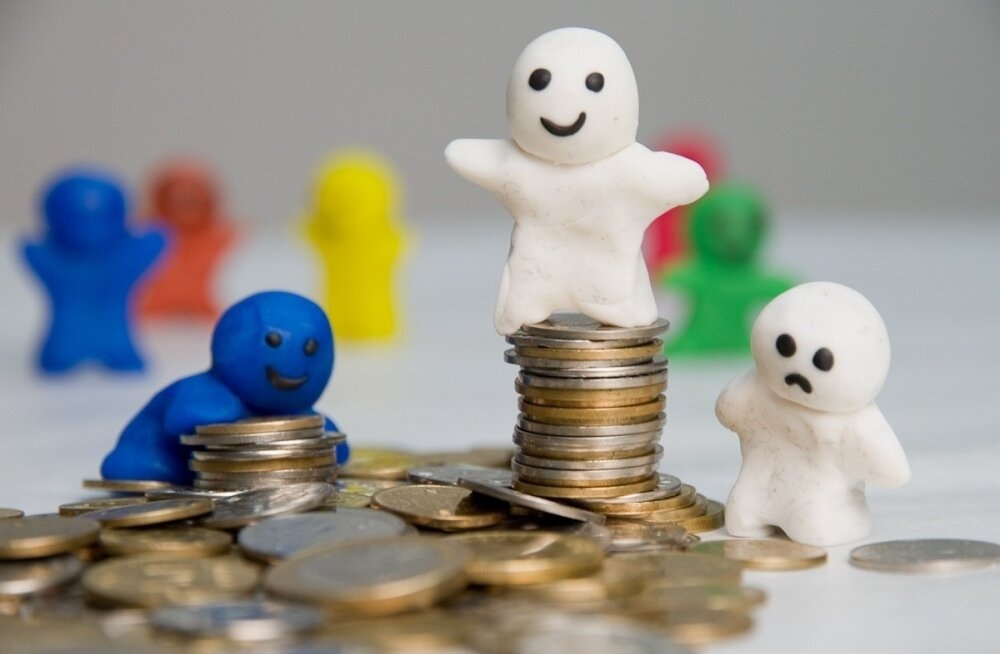 Правительство рубит сук, на котором сидит? Банк Эстонии предупреждает: пенсионная реформа приведет к росту налогов, нестабильности экономики и маленьким пенсиям в будущем
