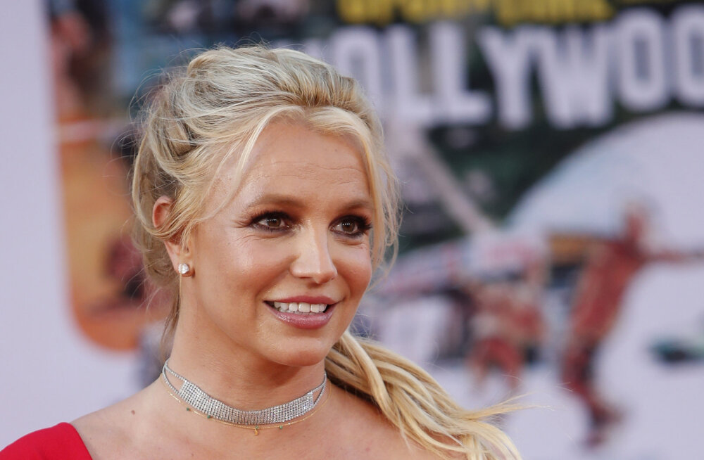 Britney Spearsi neli aastat tagasi avaldatud album tõusis muusikaedetabelis esimeseks: ma ei tea, mis juhtus
