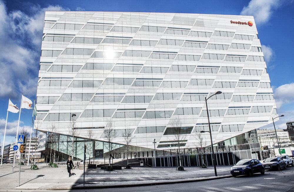 Swedbanki peakontoris Rootsis toimus läbiotsimine