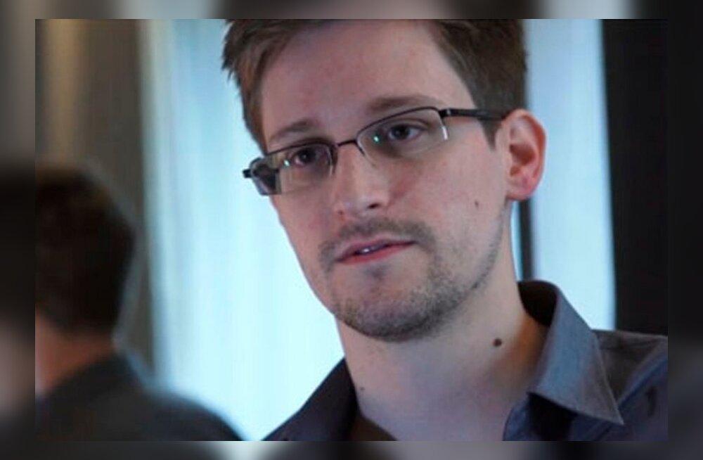FOTO: Edward Snowdenit nähti väidetavalt Moskvas sisseoste tegemas