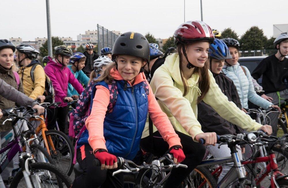 Spordinädal. Kuristiku gümnaasiumi õpilaste jalgrattamatk