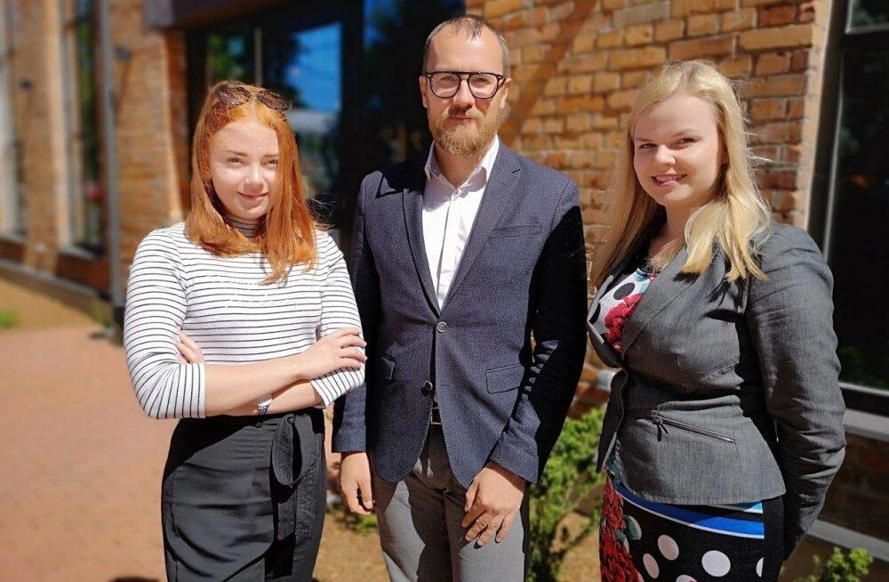 Birgitta Ots (vasakult), Tanel Kalaus ja Eli Lahesoo.