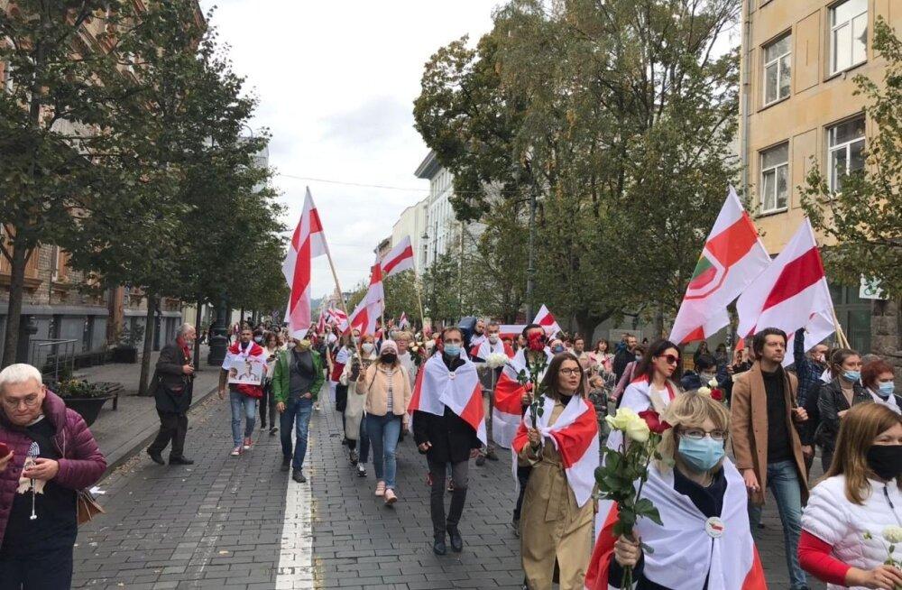В Риге и Вильнюсе прошли женские марши солидарности. В литовской акции приняла участие Тихановская