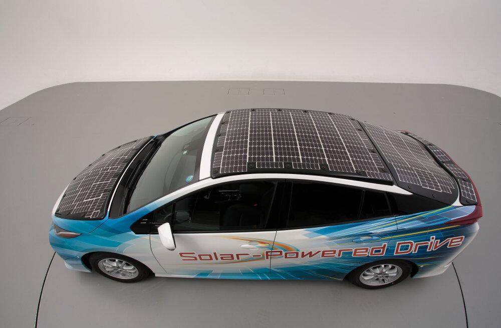 Toyota astus autokatusel olevate päikesepaneelidega jõulise sammu edasi